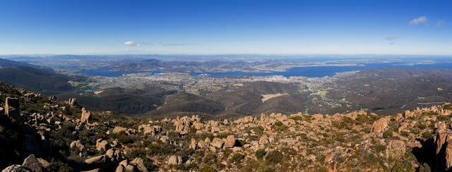 Hobart_from_Mount_Wellington_Panorama_1